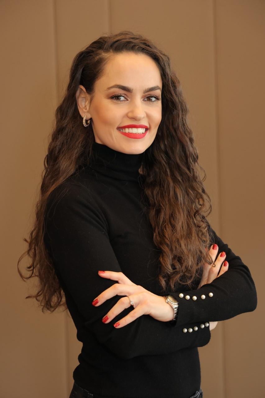 Ivana Bogdanovic, Digitalna krofna